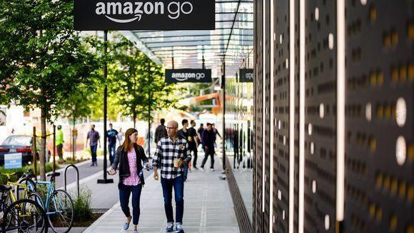 Amazon pulls plug on pop-up stores
